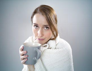 femme ayant la grippe